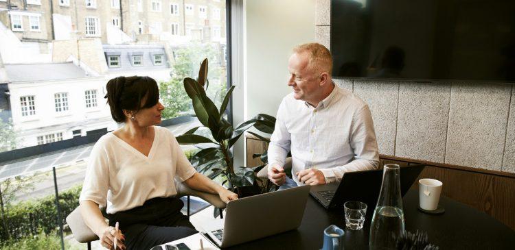 5 Estrategias para mejorar la comunicación en el lugar de trabajo